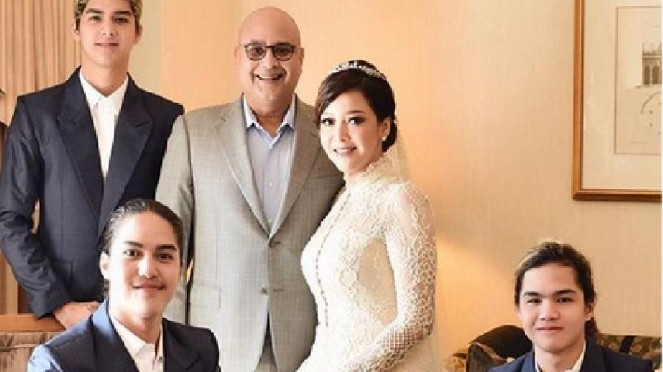 Maia Estianty, Irwan Mussry dan ketiga putranya