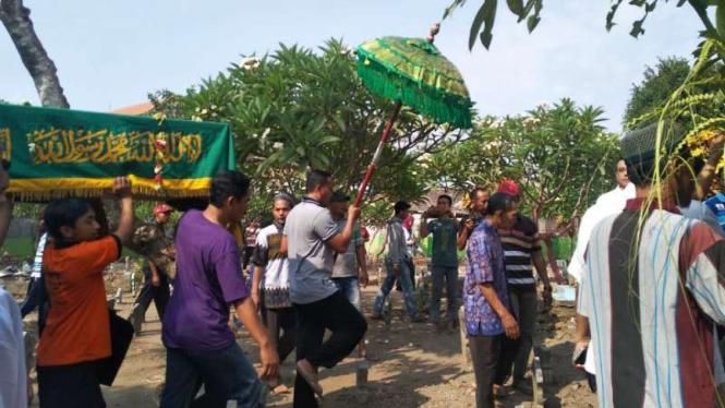 Pemakaman korban Lion Air JT 610 jatuh di Sidoarjo, Jawa Timur.