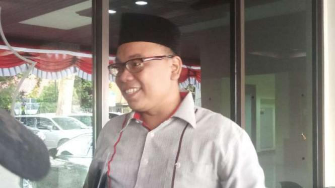 Calon anggota legislatif PAN, Mustofa Nahrawardaya, saat memenuhi panggilan Direktorat Tindak Pidana Siber Bareskrim Polri, Kamis sore, 1 November 2018.