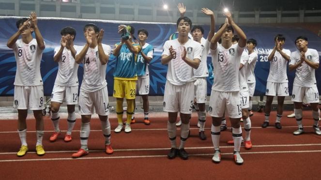 Pemain Korea Selatan bergembira lolos ke final Piala Asia U-19