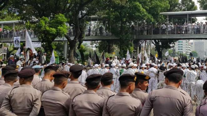 Aksi bela tauhid di  Jalan Medan Merdeka Barat, Jakarta, Jumat, 2 November 2018.