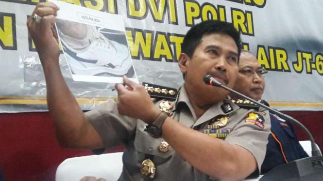 Kepala RS Polri Komisaris Besar Polisi Musyafak menjelaskan identifikasi korban