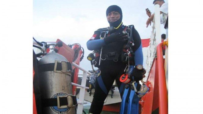 Relawan dari Indonesia Diving Resque Team, Syachrul Anto, meninggal dunia