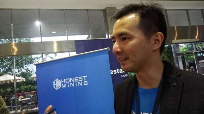 Chief Executive Officer Honest Mining, Lawrence Samantha