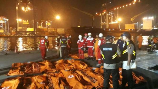 Kantong jenazah korban jatuhnya Lion Air JT 610, di JICT, Tanjung Priok.