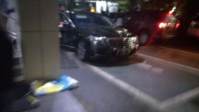 Mobil yang ditumpangi Lee Jong Suk ke Bandara Soekarno-Hatta.