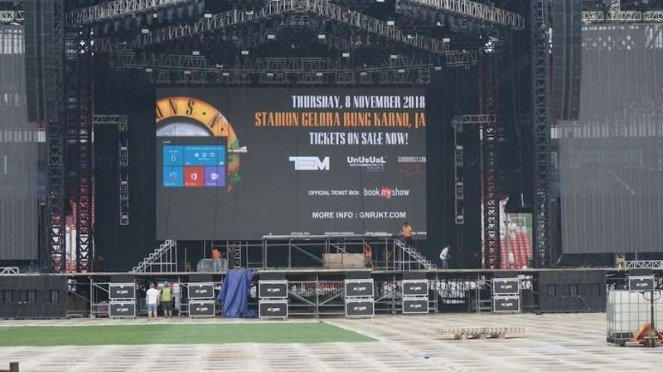 Preparation for the Guns n Roses Concert