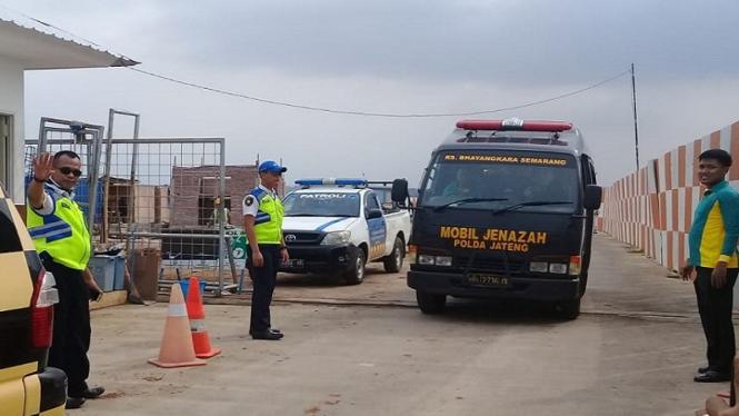 Jenazah Polisi Korban Lion Air Dimakamkan Di Kendal Jateng