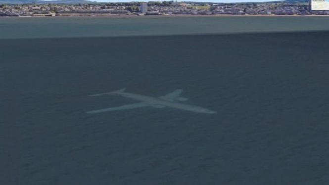 Pesawat tenggelam di Google Earth.