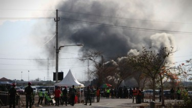 Fasilitas sirkuit Gelora Bung Tomo terbakar