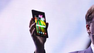 Ponsel lipat Samsung.