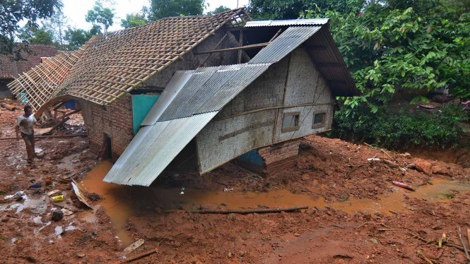 Bencana Tanah Longsor. (Foto ilustrasi).