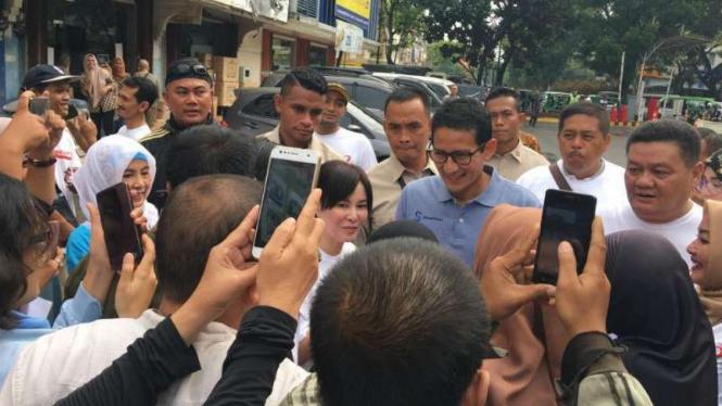 Calon wakil presiden nomor urut 02 Sandiaga Uno di Tangerang