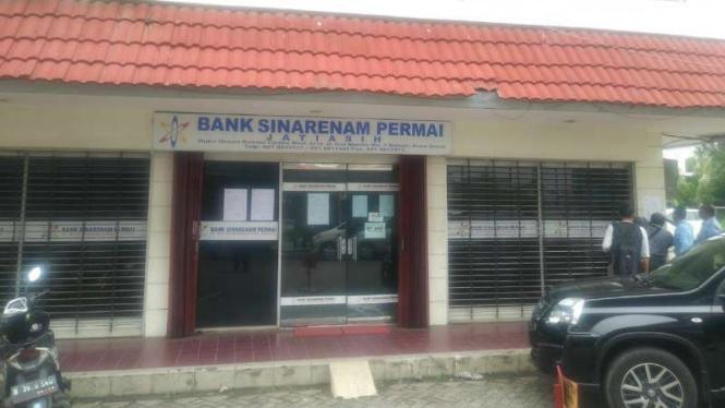 BPR Sinarenam Permai, Bekasi.