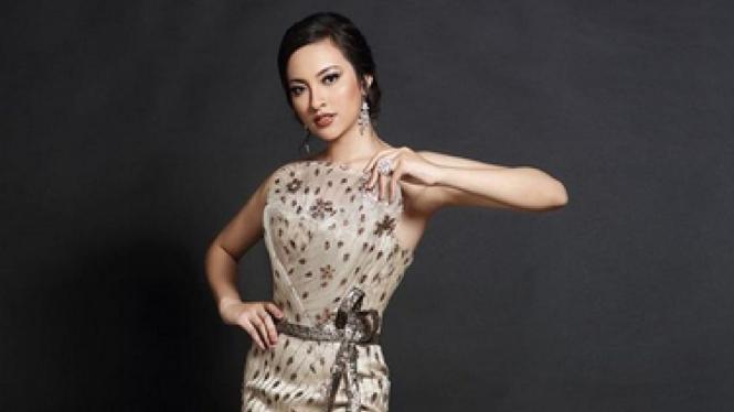 Vania Setop Di Top 15, Wakil Venezuela Juara Miss International 2018