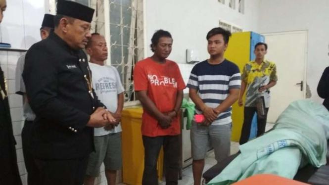 jenazah korban tewas tragedi drama Surabaya Membara di RSUD Soetomo
