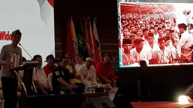 Capres nomor urut 01 Joko Widodo saat berpidato di Bandung.