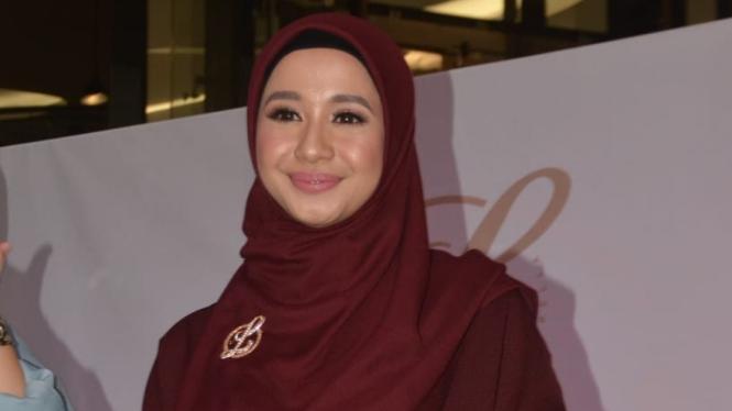 Tak Suka Baju Ketat, Bella Buka Bisnis Fesyen Di Malaysia – Viva