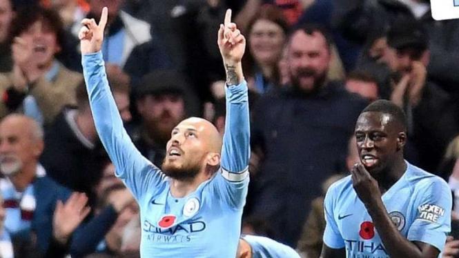 Pemain Manchester City, David Silva (kiri)