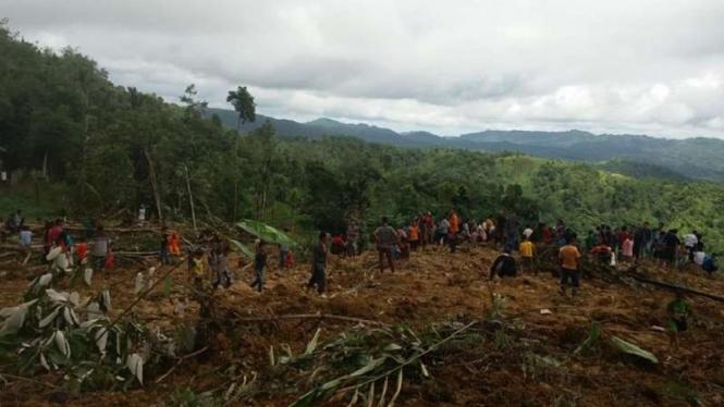 Satu Keluarga Tertimbun Longsor Di Nias Selatan Belum Ditemukan