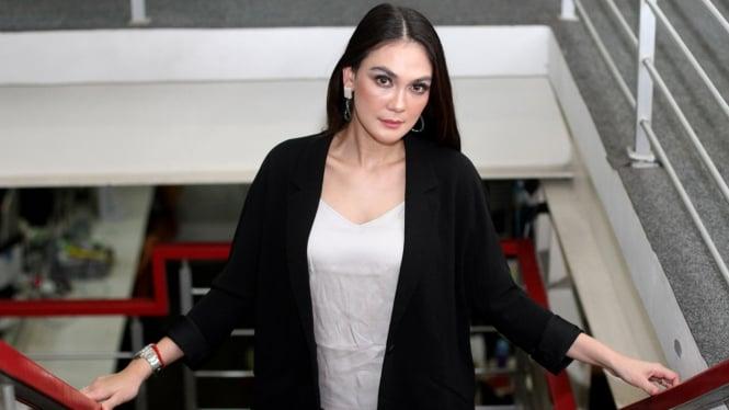 Promo Film Suzzanna, Luna Maya Kunjungi VIVA.