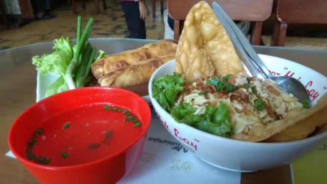 Hok Lay, Kafe Gaul Di Malang Sejak 1946 Hingga Era Milenial