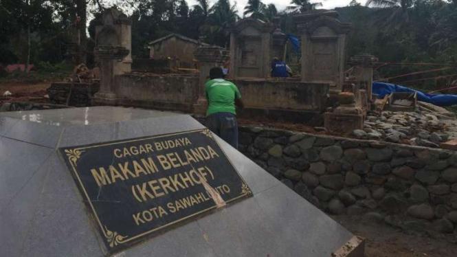 Sepuluh Situs Makam Belanda di Sawahlunto Dipugar