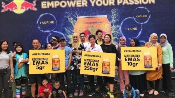 Acara peluncuran perdana Kratingdaeng Gold di pelataran FX pada saat acara Car Free Day (CFD) di Jakarta, 4/11.