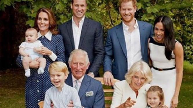 Foto keluarga Kerajaan Inggris di ultah Charles ke-70