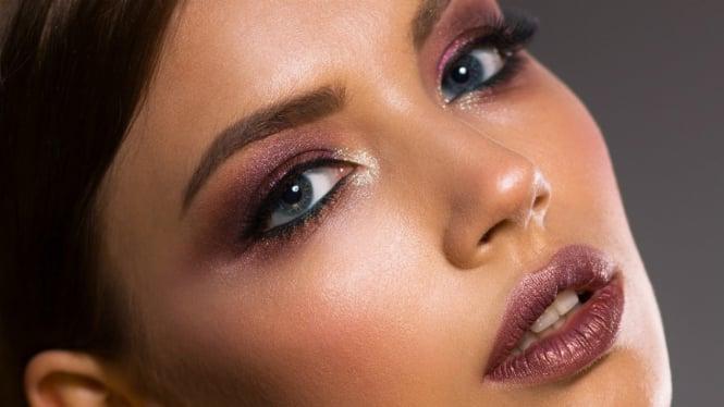 Ilustrasi make-up.