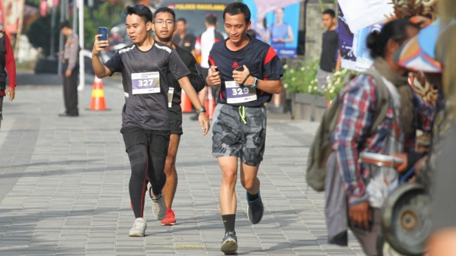 Friendship Run Borobudur Marathon 2018