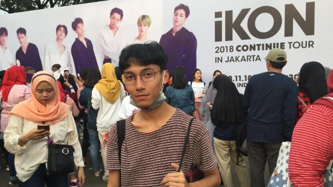 Sehari Saja, Anak Ini Untung Jutaan Rupiah Jualan Pernak-Pernik K-pop