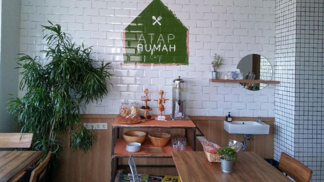 Coffee shop Atap Rumah