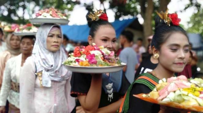 Perang Topat di Lombok