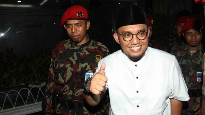 Ketua Umum PP Pemuda Muhammadiyah, Dahnil Anzar Simanjuntak (kanan)