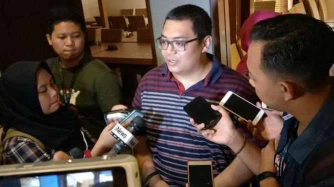 Direktur Eksekutif Lembaga Survei Median, Rico Marbun
