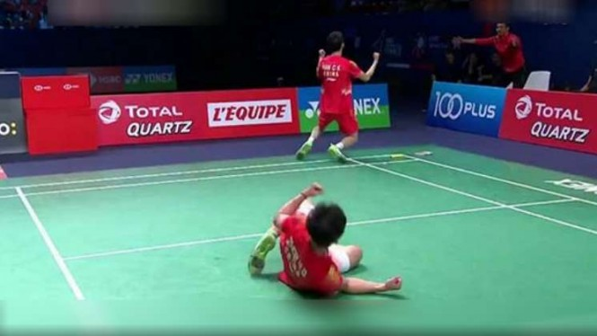 Han Chengkai/Zhou Haodong rayakan kemenangan lawan Kevin/Marcus