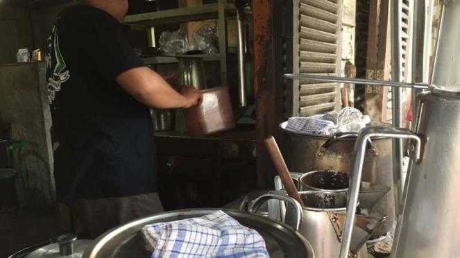kedai kopi tertua di Belitung