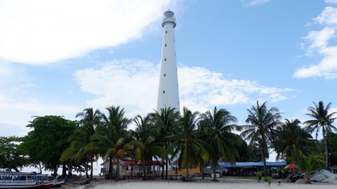 Mercusuar di Pulau Lengkuas Belitung