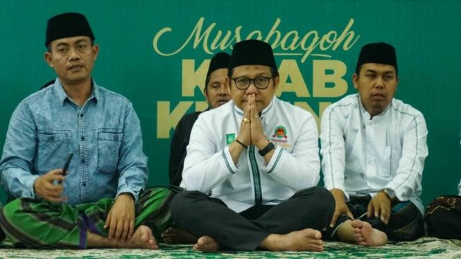 Ketua Umum Partai Kebangkitan Bangsa (PKB), Muhaimin Iskandar (tengah).