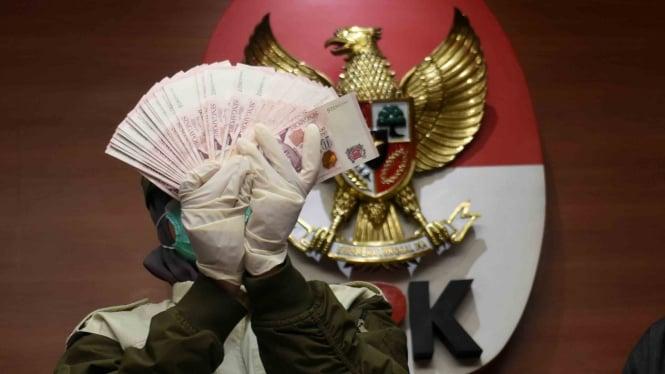 Ilustrasi barang bukti uang dari Operasi Tangkap Tangan (OTT) KPK beberapa waktu lalu.
