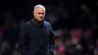 https://thumb.viva.co.id/media/frontend/thumbs3/2018/12/02/5c02f3b2730e9-manajer-manchester-united-jose-mourinho_325_183.jpg