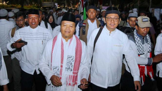 Wakil Ketua Majelis Syuro PKS, Hidayat Nur Wahid (kedua kiri) dan Sekjen PKS Mustafa Kamal (kedua kanan) menghadiri Reuni 212 di Monas, Jakarta