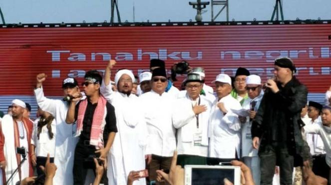 Zulkifli Hasan dan Prabowo di reuni aksi 212