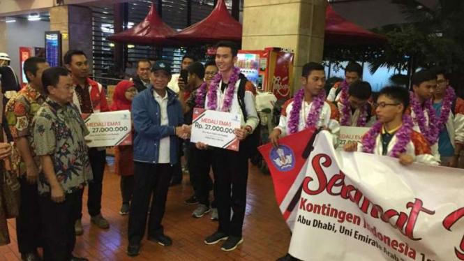 Kontingan SMK Indonesia Juara Umum World Skills level Asia .