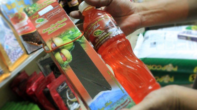 Oleh-oleh khas Ternate, sirup pala.