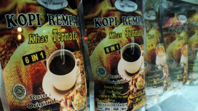 Oleh-oleh khas Ternate, kopi rempah.
