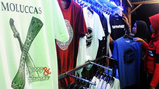 Oleh-oleh khas Ternate, kaus.