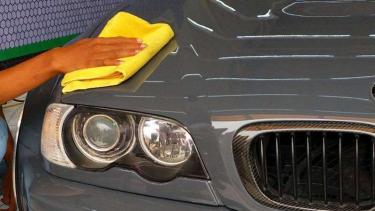 Aplikasi nano coating pada bodi mobil