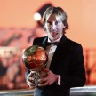 Gelandang Real Madrid, Luka Modric, meraih Ballon d Or